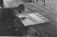 """Un asilo nido in Tibet. Dalla mostra: """"Tibetains aujourd'hui"""" che raccoglie fotografie di Sylvie Torre et Philippe Rivierre"""