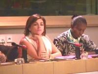 Elena Valenciano Martínez-Orozco (relatrice del rapporto sulle mutilazioni genitali femminili, presentato al Parlamento Europeo). Accanto a lei: Kadi