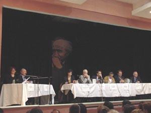 Meeting sul Medio Oriente. I partecipanti sono (da sinistra a destra): sul tavolino a sinistra (due moderatori) sulla grossa tavolata: Joelle MILQUET