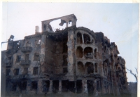 Casa distrutta.