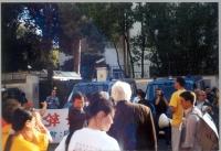 Marcia del Falun Gong, contro la persecuzione dei suoi membri in Cina, da piazza di Trinità di Monti all'ambasciata cinese.
