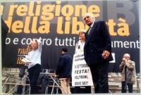 Manifestazione anticlericale a porta Pia, nella ricorrenza del 20 settembre. Sul palco, da sinistra: Emma Bonino, Daniele Capezzone (di spalle), Rita