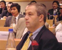"""Mehmet Tüncu (ETNC delegate)  partecipa al convegno: """"La situazione nel Turkestan dell'Est dopo mezzo secolo di occupazione cinese"""", in collaborazione"""