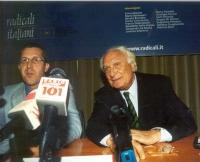 """Convegno: """"Globalizzazione? Sì, grazie"""", promosso dai Radicali Italiani. Benedetto Della Vedova e Marco Pannella."""