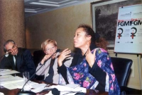 """Convegno: """"Stop FGM"""", contro le mutilazioni genitali femminili.  Al tavolo, da sinistra, Giuliano Amato (presidente del Consiglio), Emma Bonino, Leyla"""