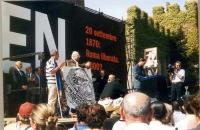 Manifestazione anticlericale davanti a porta Pia.  Sul palco, fra gli altri: Marco Pannella, Danilo Quinto, Sergio Stanzani.