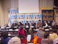 Conferenza di presentazione del satyagraha mondiale, promosso dal PR, per una qualificata presenza femminile nel nuovo governo afghano. Al tavolo, da