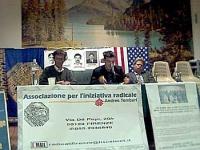 """Assemblea """"Libertà e democrazia in Laos"""" dell'Associazione per l'iniziativa radicale Andrea Tamburi. Al tavolo: Massimo Lensi, Antonio Bacchi (segreta"""