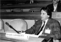 Amato Lamberti, direttore dell'Osservatorio sulla camorra di Napoli; consigliere dei Verdi al Comune di Napoli.