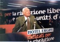 Marco Pannella, alla tribuna dell'Assemblea dei Mille, all'hotel Ergife.