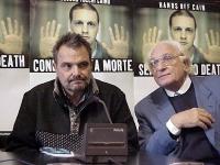"""Conferenza stampa sull'iniziativa """"Nessuno tocchi Bin Laden"""". Oliviero Toscani e Marco Pannella."""