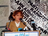 Consiglio Federale del PR. Ermelinda Meksi, ministro albanese per gli Affari Economici.