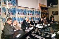 Conferenza stampa di presentazione del Primo Satyagraha mondiale per la presenza di donne nel nuovo governo afghano. Da sinistra: Gianfranco Dell'Alba