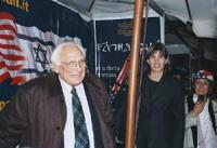 Marco Pannella alla manifestazione per i 100 tavoli per le riforme americane (a destra, Donatella Poretti).