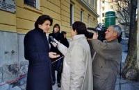 Marco Cappato, intervistato dai giornalisti, dopo una visita al carcere di Trieste.