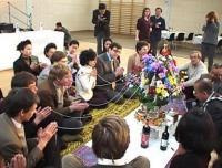 Cerimonia tradizionale del Baci, promossa dal Movimento Laos per i Diritti dell'Uomo, in onore dei cinque radicali (Dupuis, Lensi, Mellano, Khramov, M