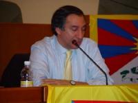 Piero Verni, presidente di Italia-Tibet, partecipa all'assemblea costitutiva dell'associazione dei comuni italiani per il Tibet.