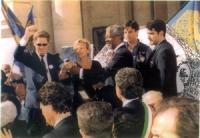Prima cerimonia di raccolta firme per l'istituzione del Tribunale Penale Internazionale, al Campidoglio.  Gianfranco Dell'Alba, Emma Bonino, Kofi Anna