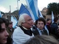 Matteo Angioli (a sinistra, di profilo), Marco Pannella, Yasha Reibman, partecipano al corteo dell'Israel Day.