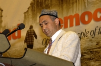 Enver Can, presidente del Congresso Nazionale dell'East Turkestan, ospite del 38° Congresso del PR.