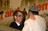 Olivier Dupuis e Enver Can (di spalle), presidente dell'East Turkestan Congress, ospite del 38° Congresso del PR.