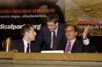 Marco Perduca, Olivier Dupuis, Marino Busdachin, al tavolo di presidenza del 38° Congresso del PR.