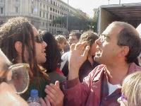 Million marijuana march. Ignazio Marcozzi Rozzi discute con uno dei manifestanti che contesta la presenza dei radicali alla marcia.