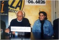Marco Pannella e Matteo Angioli, nel corso di una conferenza stampa alla sede di Torre Argentina.