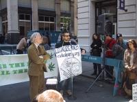 Million Marijuana March. Dana Beal (Cures not Wars) e Marco Perduca, Partito Radicale Transnazionale, alla partenza della marcia.