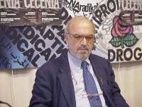 """Renzo Foa, giornalista, durante la presentazione della rivista """"Diritto e libertà""""."""