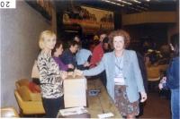 Vincenzina Antonelli e Olivia Ratti nel corso delle votazioni del 38° Congresso del PR.