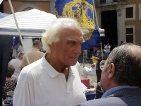 Marco Pannella, al presidio radicale davanti a Montecitorio per il ritorno della Camera dei Deputati alla legalità costituzionale, giunto al 73° giorn