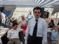 Marco Beltrandi al termine di 24 ore di sciopero della sete, per il ritorno della Camera dei Deputati alla legalità costituzionale.  (A sinistra, sedu