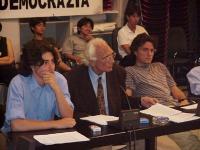 Matteo Angioli, Marco Pannella e Diego Galli, nel corso di una riunione presso la sede del PR. Altre digitali.