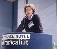 Mario Staderini interviene al Primo Congresso dei Radicali Italiani.