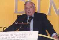 ritratto di Gore Vidal dalla tribuna del 36° congresso del PR I sessione