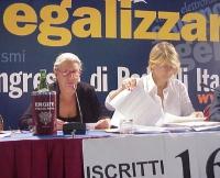 Marisa Belloni (detenuta, aderente al Satyagraha radicale per la legalità delle istituzioni) interviene al Primo Congresso dei Radicali Italiani. A de