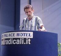 Lucio Bertè interviene al Primo Congresso dei Radicali Italiani.