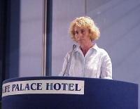 Stefania Craxi interviene al Primo Congresso dei Radicali Italiani.