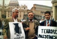 Tommaso Del Franco, Antonello Marzano, Daniele Capezzone Antonello Marzano e Daniele Capezzone partecipano alla manifestazione davanti a piazza San Pi