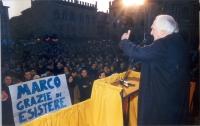 Comizio di Marco Pannella, in occasione della campagna per le dimissioni del presidente della Repubblica Scalfaro. (Per questo comizio, Pannella fu ac