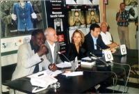 Idris (opinionista), Sergio D'Elia, Elisabetta Zamparutti, ??? e Marco Pannella, durante la presentazione del rapporto 2001 sulla pena di morte, curat
