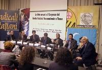 Assemblea al sede del PR con Capezzone, Pannella e rappresentanti per la la libertà in Vietnam e in Cina. Da sinistra: Kok Ksor (Presidente della mont