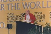 Stanzani parla al 36° congresso del PR (larga)