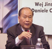 Quan Nguyen (Presidente del Comitato di sostegno del Movimento nonviolento per la liberta' e democrazia in Vietnam fondato dal dr. Que Nguyen) parteci