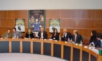 Conferenza di lancio del rapporto del 2002 sulla pena di morte curato da Nessuno Tocchi Caino. Da sinistra: Wei Jingsheng, traduttore simultaneo, Elis