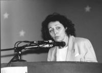 ritratto di Marie Andrée Bertrand. (Canada) che parla al 1° congresso italiano del PR  (BN)