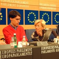 Luca Coscioni ed Emma Bonino, alla conferenza (promossa dal Partito Radicale Transnazionale, dai parlamentari europei della Lista Bonino, e da Radical