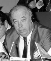 ritratto di Zdravko Tomac (Croazia) deputato (BN) nelle altre le foto di Tomac