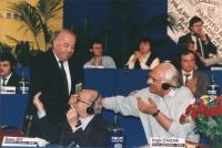 ritratto di Zdravko Tomac (Croazia) deputato con Pannella e Stanzani al 36° congresso PR II sessione 706 bis: Tomac con Stanzani e Busdachin.